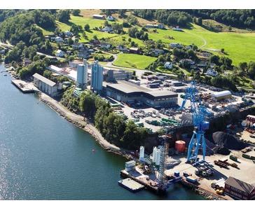 Fabrikk og hovedkontor i Vindafjord